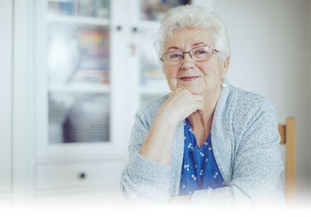 Anciana en el hogar